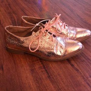 JustFab rose gold metallic shoes